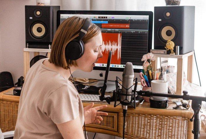 The Main Criteria for Choosing a Home Studio Headphone